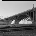 1999, Looking Southeast Next to North Broadway Bridge